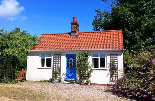 Last Minute Cottages - Superb Three Hammer Common Lodge S81493