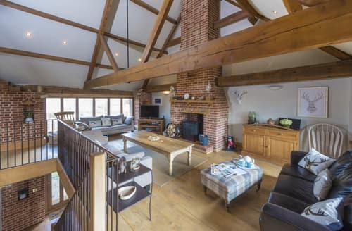 Last Minute Cottages - Quaint Binham Cottage S97145