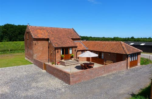 Last Minute Cottages - Point Farm Barn
