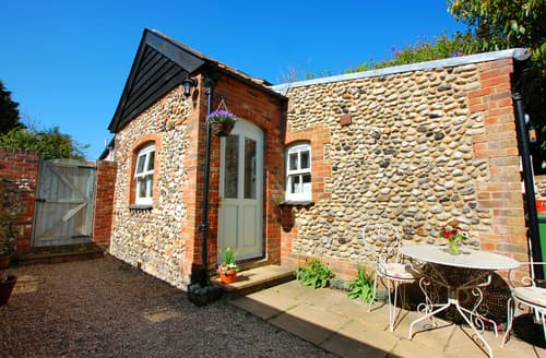 Last Minute Cottages - Courtyard Cottage