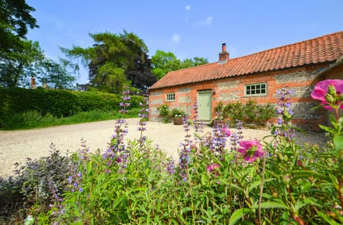 Last Minute Cottages - Dockings Cottage