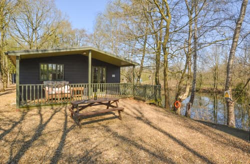 Last Minute Cottages - Lovely Lenwade Rental S12067