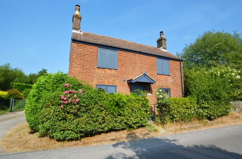Last Minute Cottages - Stunning Hickling Cottage S82974