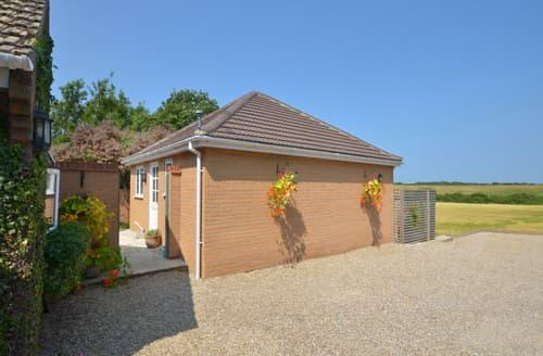 Last Minute Cottages - Charming Cley Rental S11893