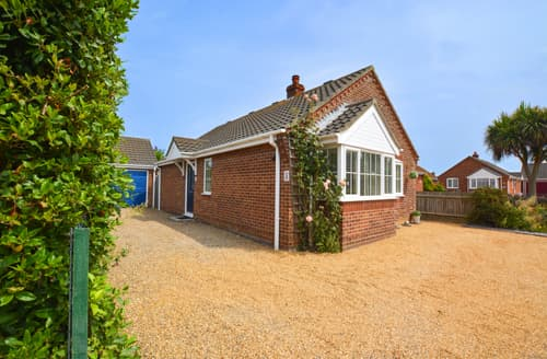 Last Minute Cottages - Beautiful Sea Palling Cottage S113971