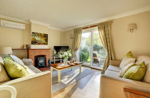 Last Minute Cottages - Excellent Hickling Cottage S87492