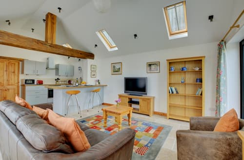 Last Minute Cottages - Splendid Barton Turf Lodge S84686