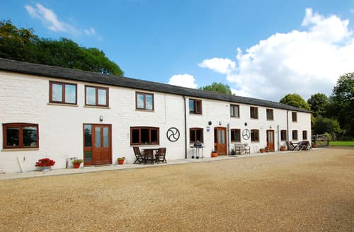Last Minute Cottages - Delightful Narborough Rental S12011