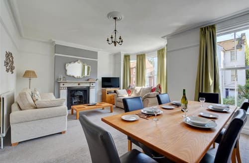 Last Minute Cottages - Cosy Cromer Apartment S50619