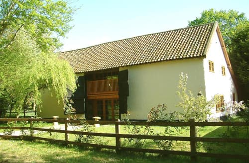 Last Minute Cottages - Rectory Barn