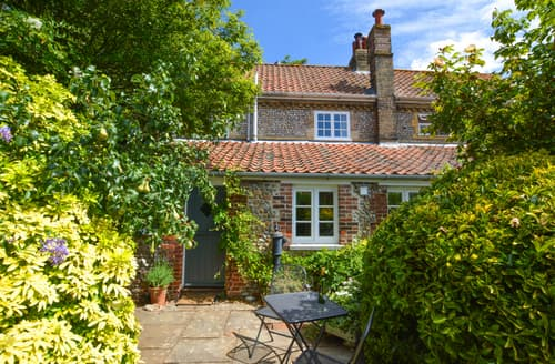 Last Minute Cottages - Delightful Cley Cottage S76789