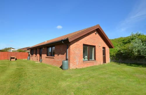 Last Minute Cottages - Excellent Eccles On Sea Rental S11731