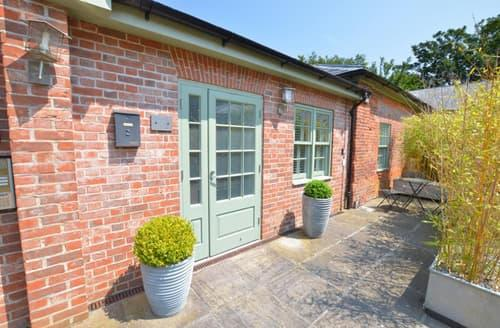 Last Minute Cottages - Inviting Little Walsingham Rental S11748