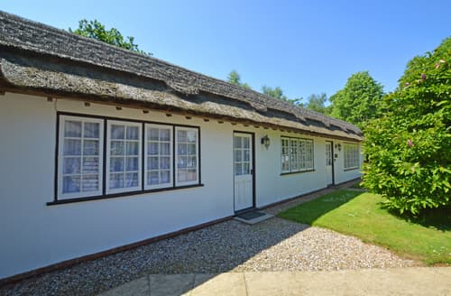 Last Minute Cottages - Wonderful West Runton Cottage S80389