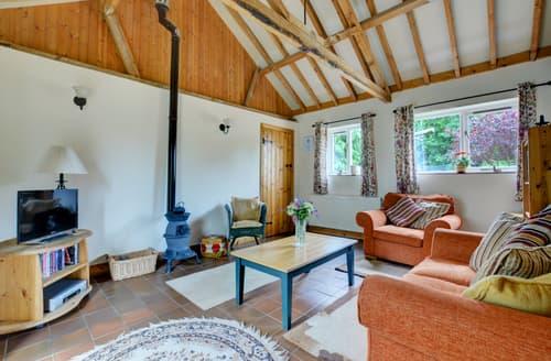 Last Minute Cottages - Stunning Mattishall Rental S9760