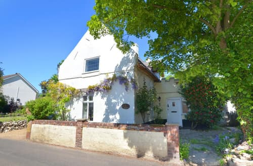 Last Minute Cottages - Inviting Horning Rental S11928