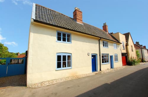 Last Minute Cottages - Half Moon Inn