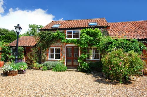 Last Minute Cottages - Beautiful Field Dalling Rental S11958