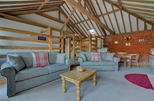 Last Minute Cottages - Cosy Ludham Cottage S57573