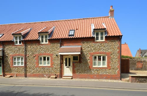 Last Minute Cottages - Tasteful Wells Next The Sea Rental S11781