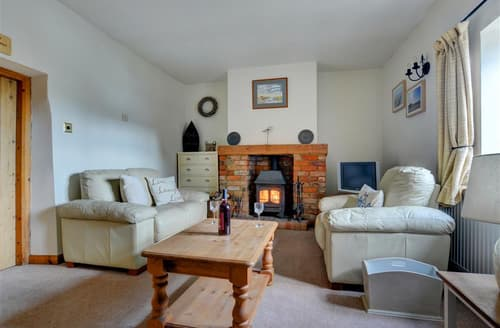 Last Minute Cottages - Beautiful Grimston Cottage S42561