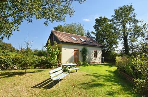 Last Minute Cottages - Moat House