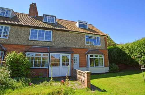 Last Minute Cottages - Luxury Mundesley Cottage S76066
