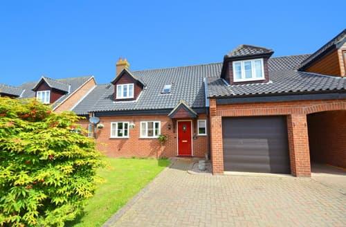 Last Minute Cottages - Charming Ludham Cottage S57574