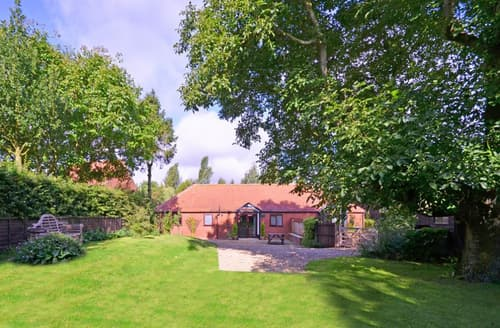 Last Minute Cottages - Delightful Horningtoft Rental S12074