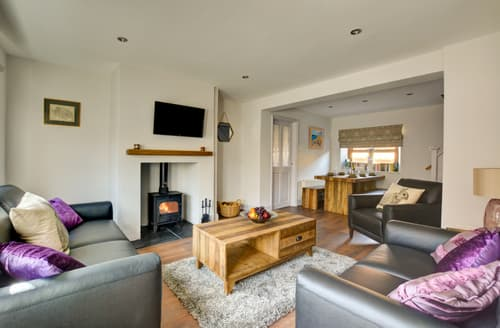 Last Minute Cottages - Luxury Docking Cottage S96429