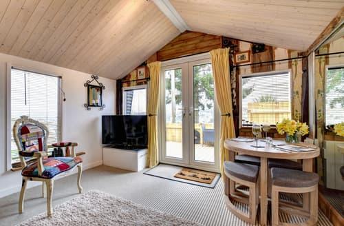 Last Minute Cottages - Luxury Totnes Lodge S97764