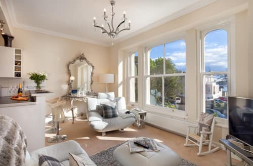 Last Minute Cottages - Attractive Torquay Apartment S83868