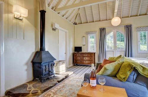 Last Minute Cottages - Beautiful Dartmoor Lodge S89099