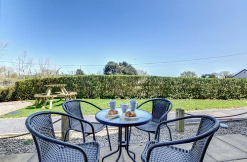 Last Minute Cottages - Lovely Dawlish Apartment S98513