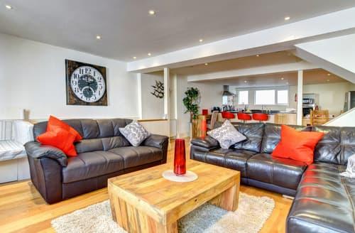 Last Minute Cottages - Quaint Dartmouth Apartment S97004