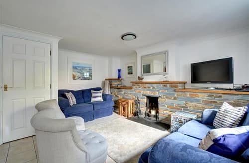 Dog Friendly Cottages - Attractive Padstow Cottage S42845