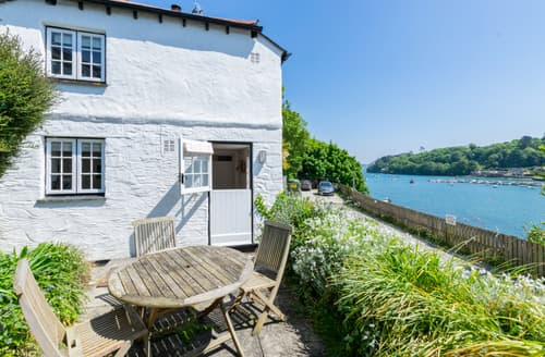 Last Minute Cottages - Charming Helford Cottage S93182