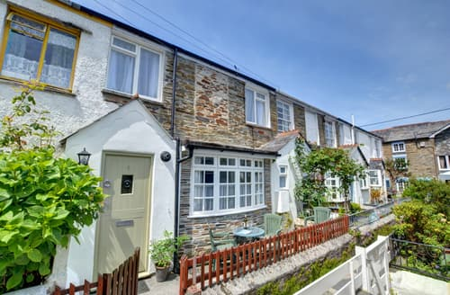 Last Minute Cottages - Inviting Padstow Town Cottage S80551