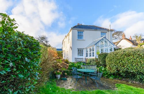 Last Minute Cottages - Luxury Helford Cottage S93184
