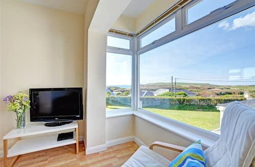 Last Minute Cottages - Luxury Constantine Bay Apartment S42899