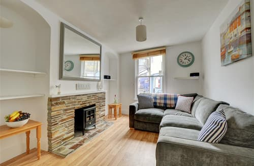 Last Minute Cottages - Inviting Padstow Cottage S42826