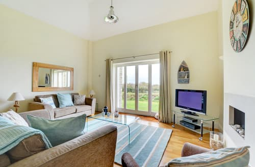 Last Minute Cottages - Lovely Wadebridge Cottage S72384
