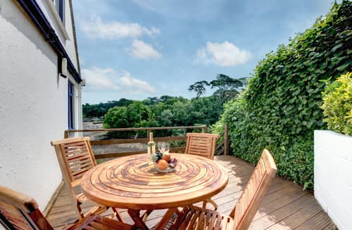 Last Minute Cottages - Cosy Helford Apartment S93013