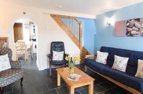 Last Minute Cottages - Excellent Porthleven Cottage S89257