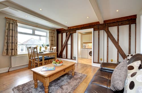 Last Minute Cottages - Delightful Padstow Apartment S42843