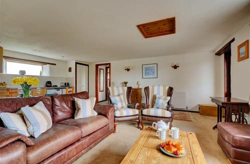 Last Minute Cottages - Excellent St Merryn Cottage S79078