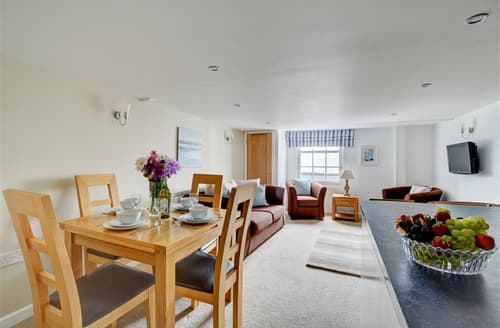 Last Minute Cottages - Luxury Padstow Apartment S42734