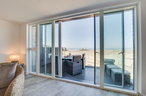 Last Minute Cottages - Stunning Perranporth Apartment S105013