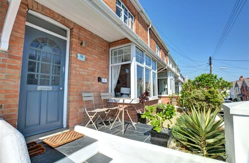 Last Minute Cottages - Samphire House