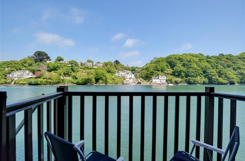 Last Minute Cottages - Quaint Fowey Apartment S42837